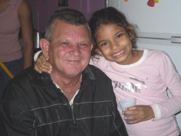 MI PAPA (ALONZO) Y MI HIJA (LISAMARIE). In this photo:600