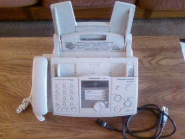 Panasonic KX-FHD332 plain paper Fax/copier.  Works great.  $10. in selling Oct '09 by Nico Holthaus